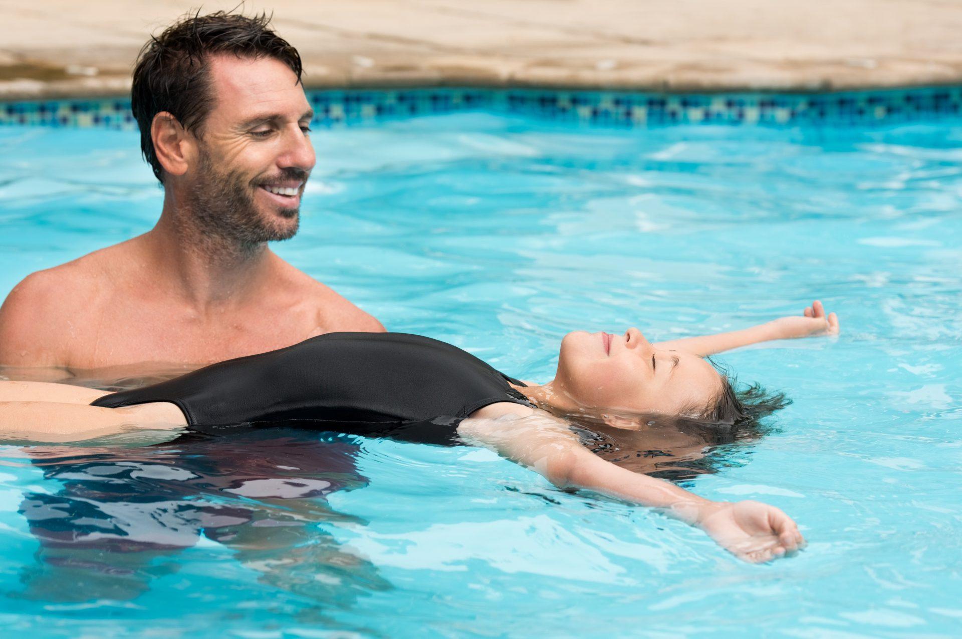 Einzelunterricht bzw. Einzelschwimmstunden gehören in das Portfolie jeder Schwimmschule.