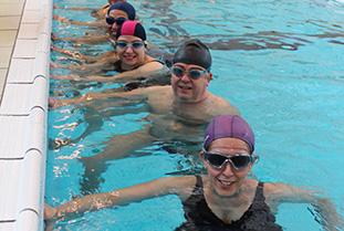 Schwimmkurs | Erwachsene lernen schwimmen